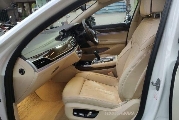 Luxury Car Rental