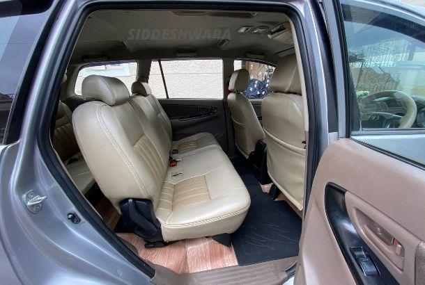 Innova 8 Seater